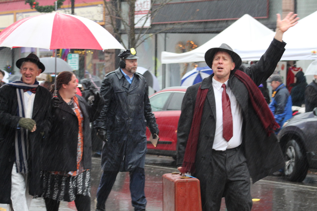 It's A Wonderful Life Festival in Seneca Falls (photos)